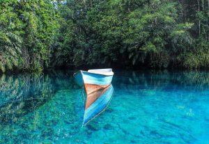 danau-labuan-cermin-kalimantan-timur