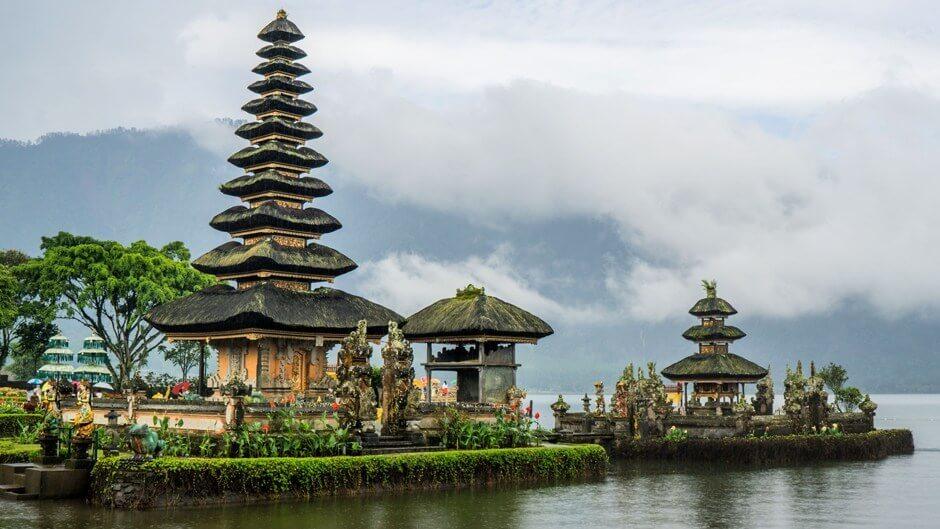 Ulun-Danu-Beratan-Temple-Indonesia